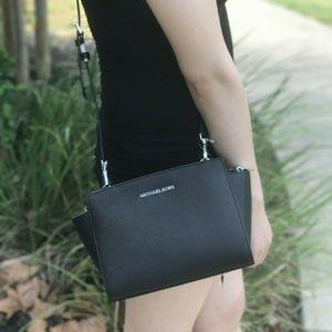 Michael Kors Selma MD Crossbody Bag Black leather